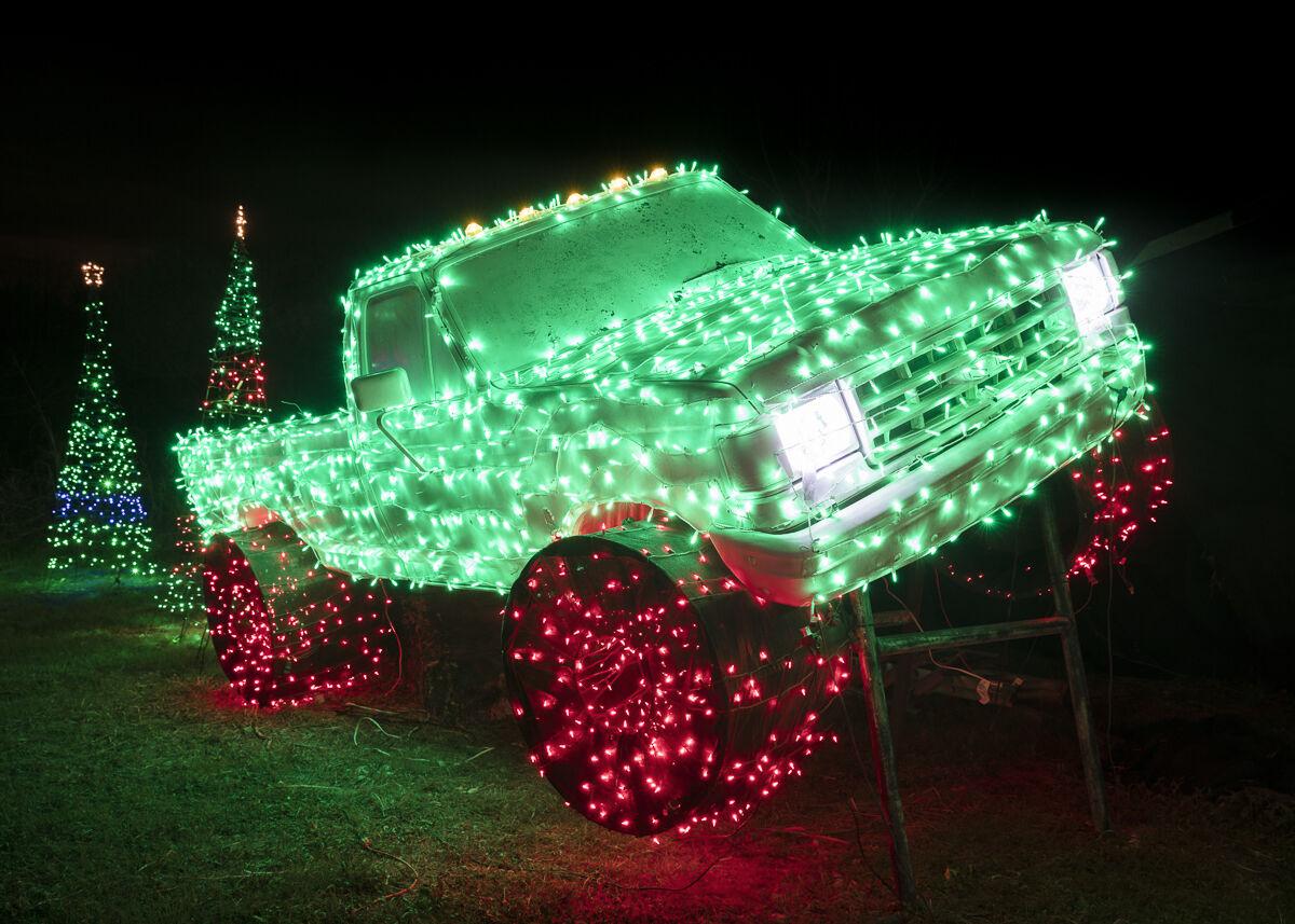Jesse Rieser,  Merry Monster Truck, New Braunfels, TX, 2016. Courtesy of the artist.