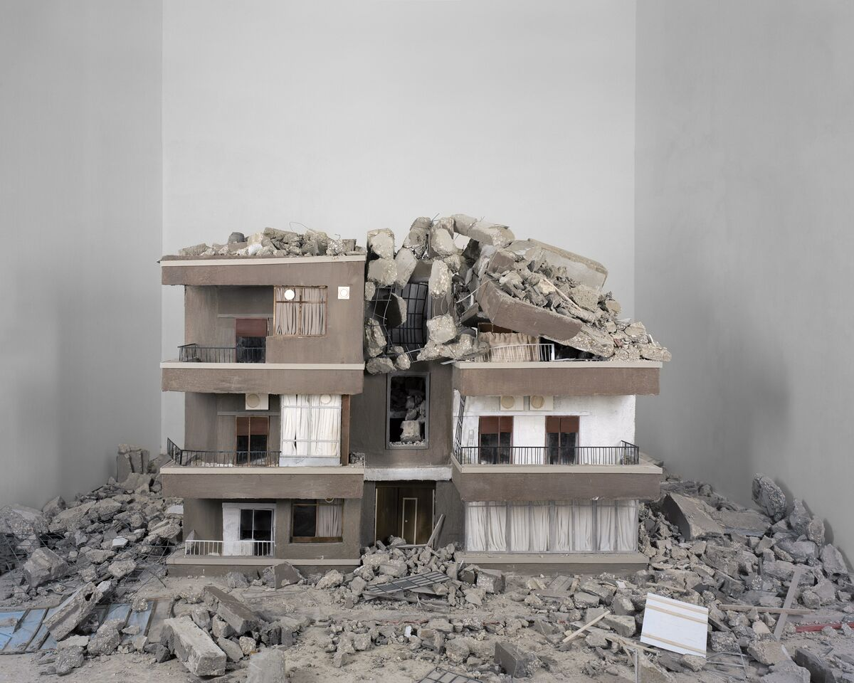 Hrair Sarkissian, Homesick (2014). Image courtesy of the artist and Kalfayan Galleries.