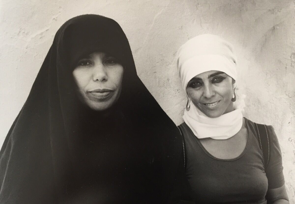Sherin Neshat (right) with a film extra while shooting Rapture circa 2000. Courtesy of the artist and Gladstone Gallery, New York and Brussels.