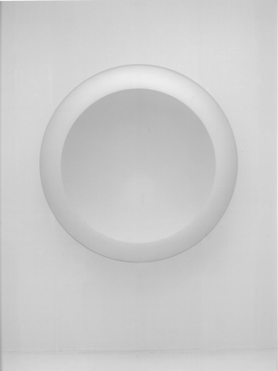 Anish Kapoor, White Dark VIII, 2000. Courtesy of the artist and Axel Vervoordt.