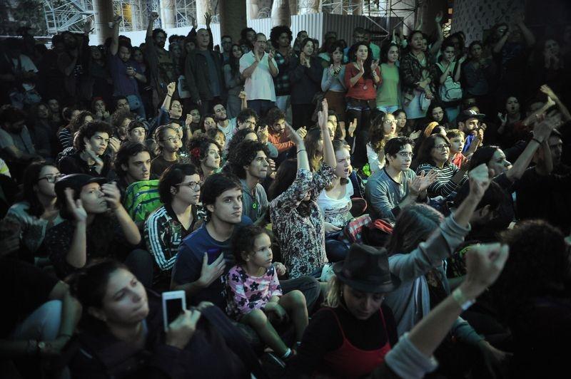Artists protest against Brazil's interim government. PhotoFernando Frazão/Agência Brasil.