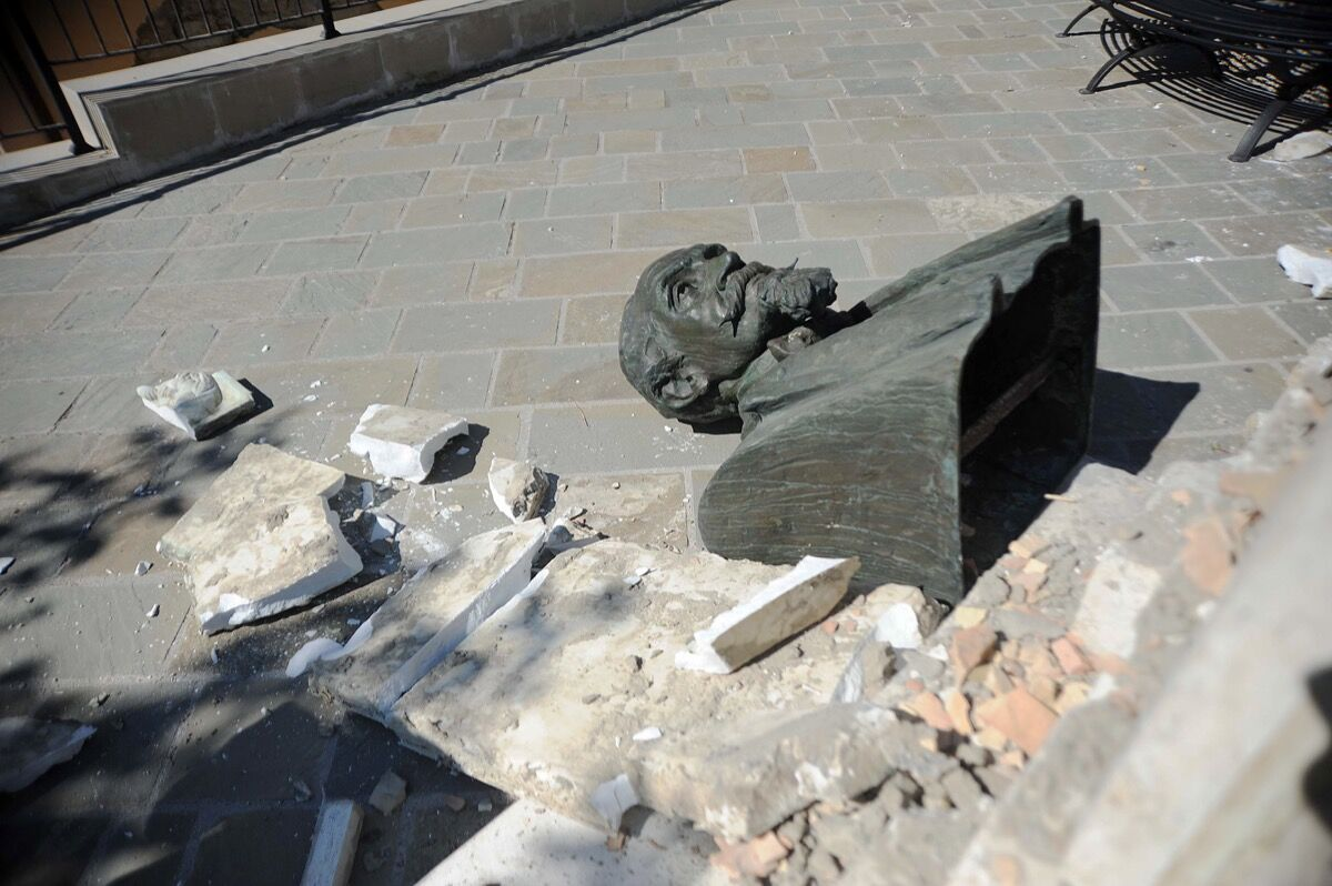 Sculpture damaged by an earthquake in Italy, 2016. Photo by Marco Zeppetella/AFP/Getty Images.