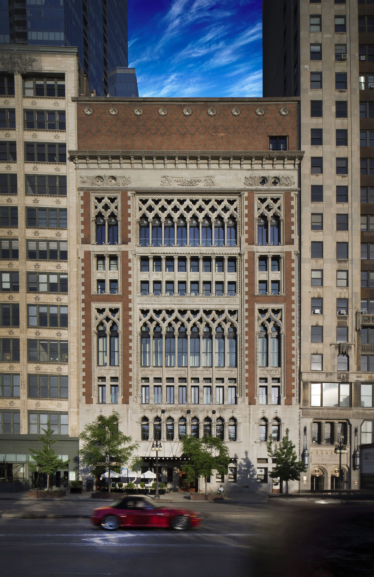 The exterior of the Chicago Athletic Association Hotel, which will host the Chicago Invitational. Photo courtesy the New Art Dealers Association.