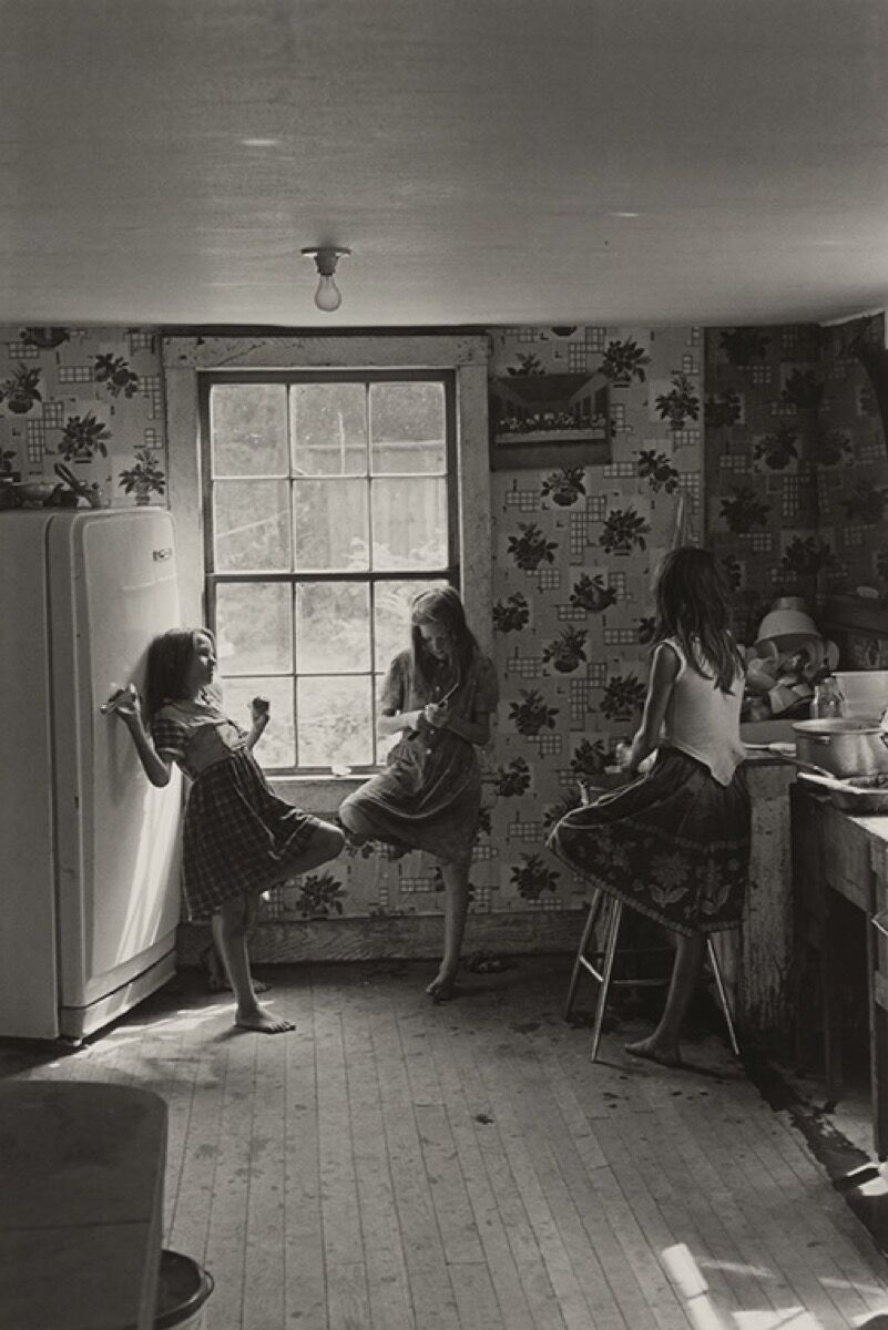 William Gedney, Cornett Girls, Kentucky, 1964. Courtesy of the University of Texas Press.