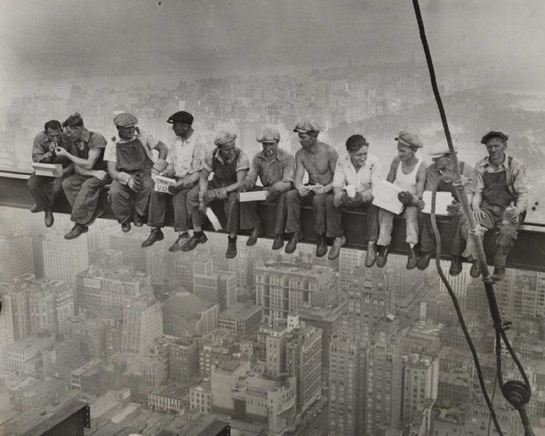 Unidentified Photographer, Lunch atop a Skyscraper, 1932. Courtesy of Daniel Blau Munich.
