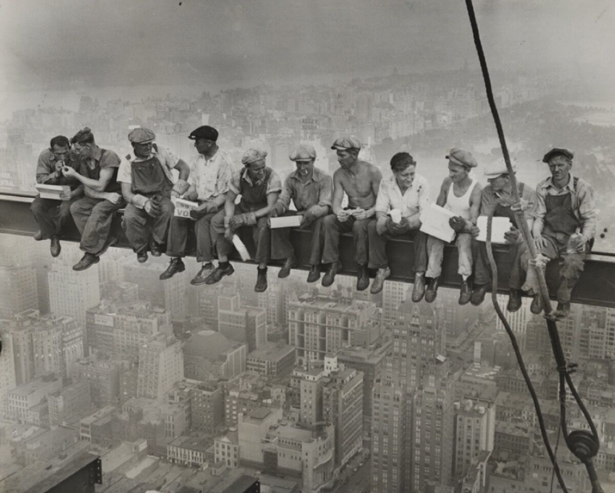Unidentified Photographer, Lunch atop a Skyscraper, 1932. Courtesy of Daniel Blau Munich.
