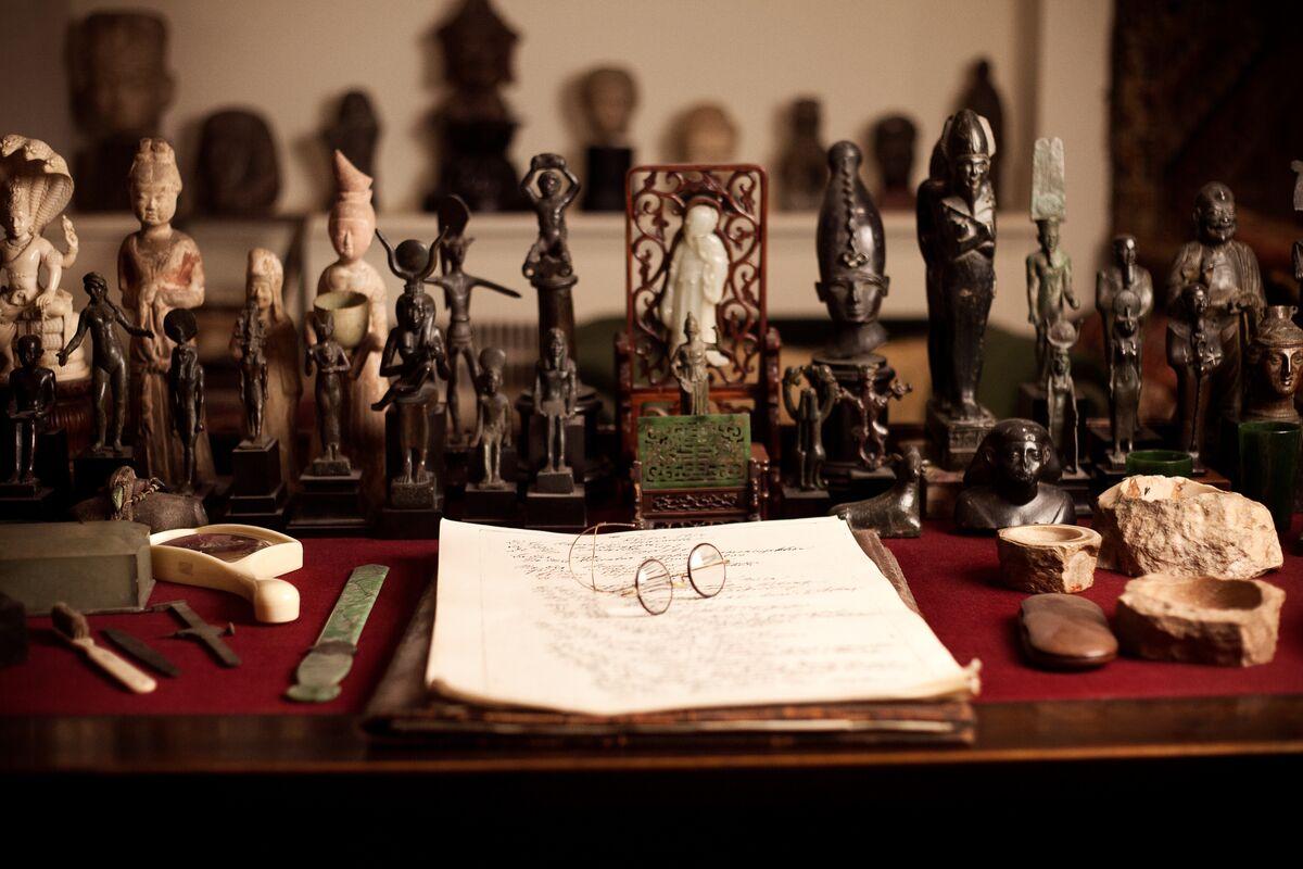 Sigmund Freud's Desk. Courtesy of the Freud Museum London.