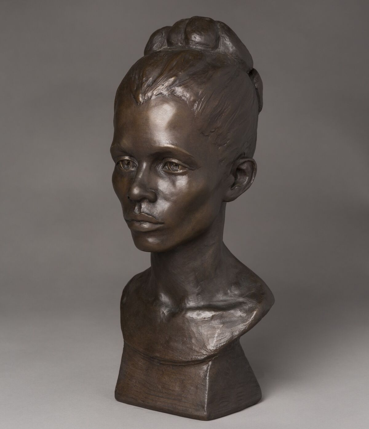 Augusta Savage, Gwendolyn Knight, 1934–35. Courtesy of the Walter O. Evans Collection of African American Art.
