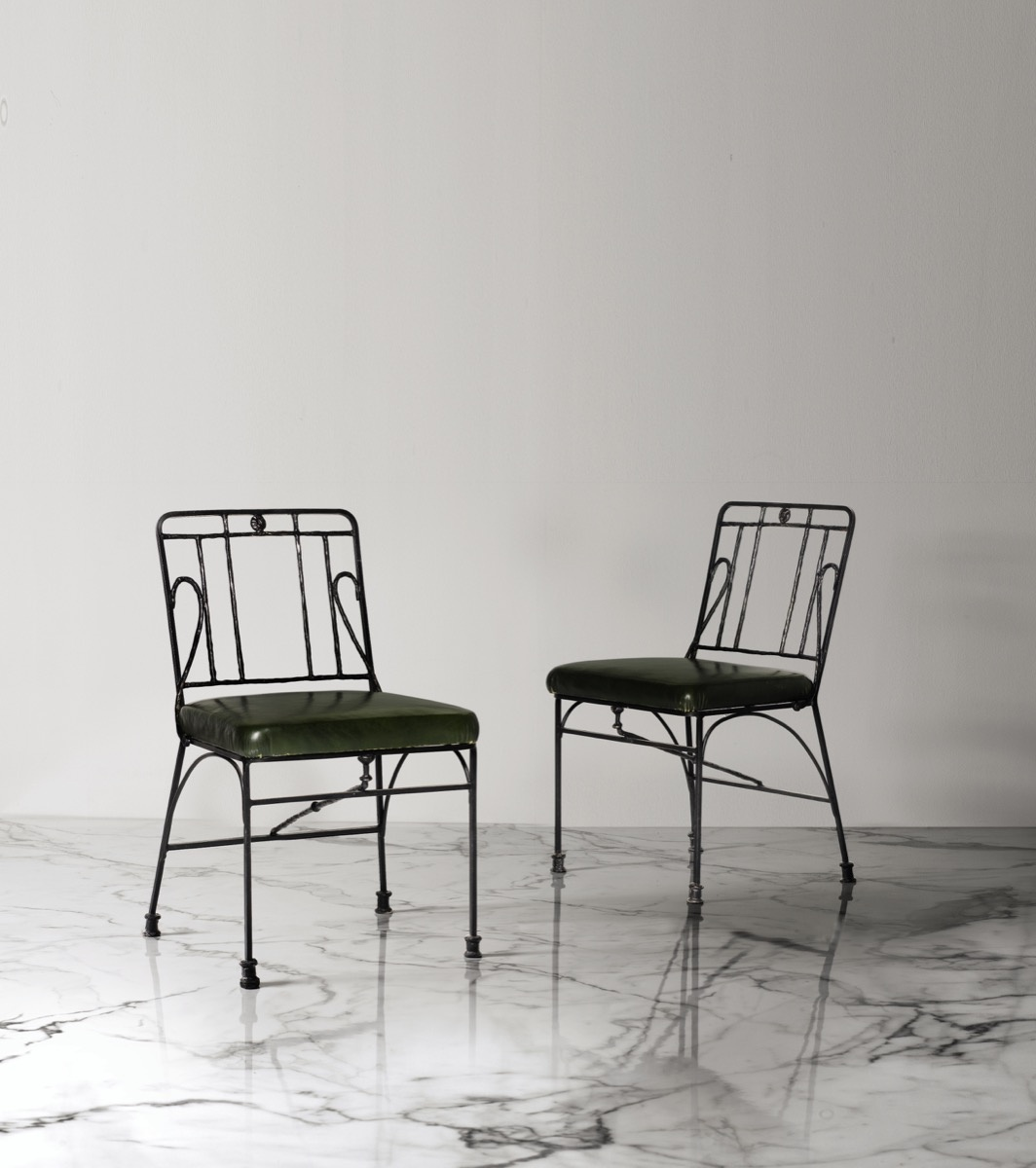 Diego Giacometti, Paire of chaises, 1983. Image courtesy of Sotheby's – Art Digital Studio.
