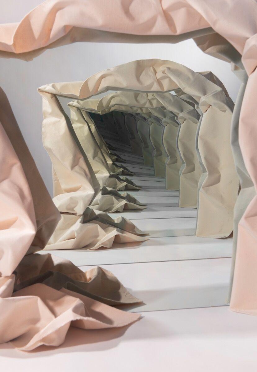 Sarah Meyohas, Canvas Speculation, 2015. © Sarah Meyohas. Courtesy of Shulamit Nazarian, Los Angeles.
