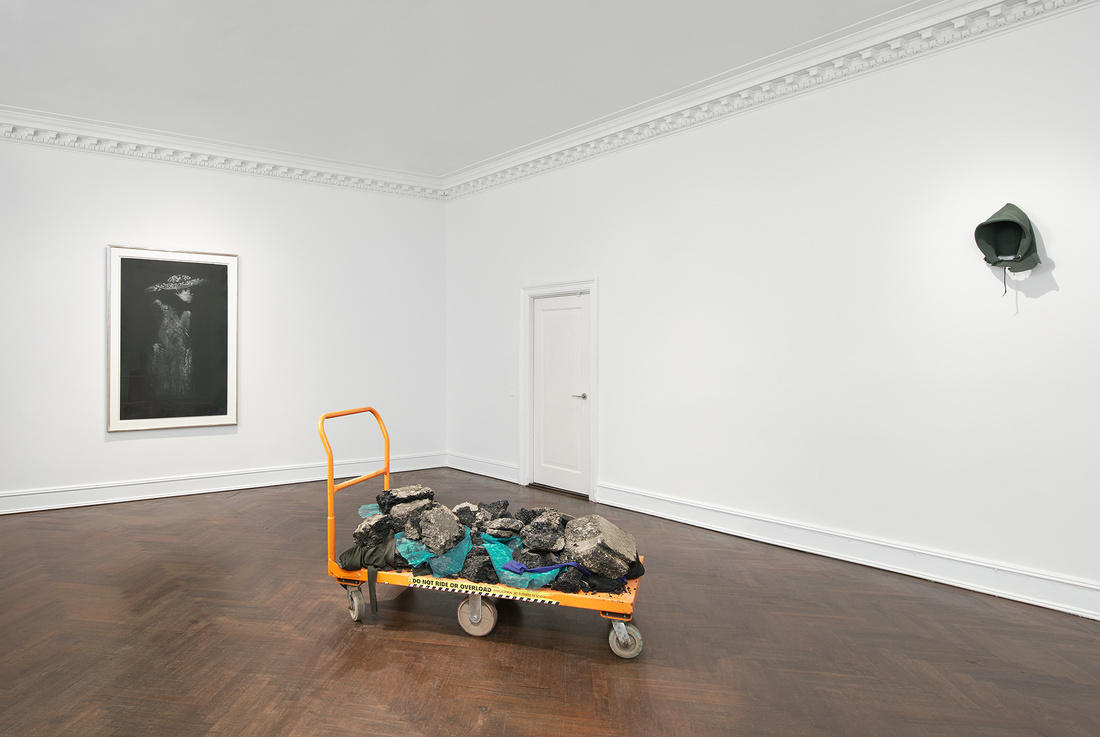 Installation view of David Hammons at Mnuchin Gallery, 2016.Art © David Hammons. Courtesy of the gallery.