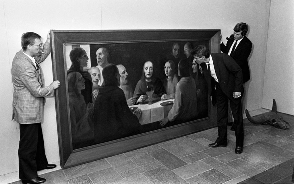 Hans van Meegeren's forgery of Vermeer's The Last Supper, 1984. Photographer Croes, Rob C., Fotocollectie Anefo, Nationaal Archief NL. Image via Wikimedia Commons.