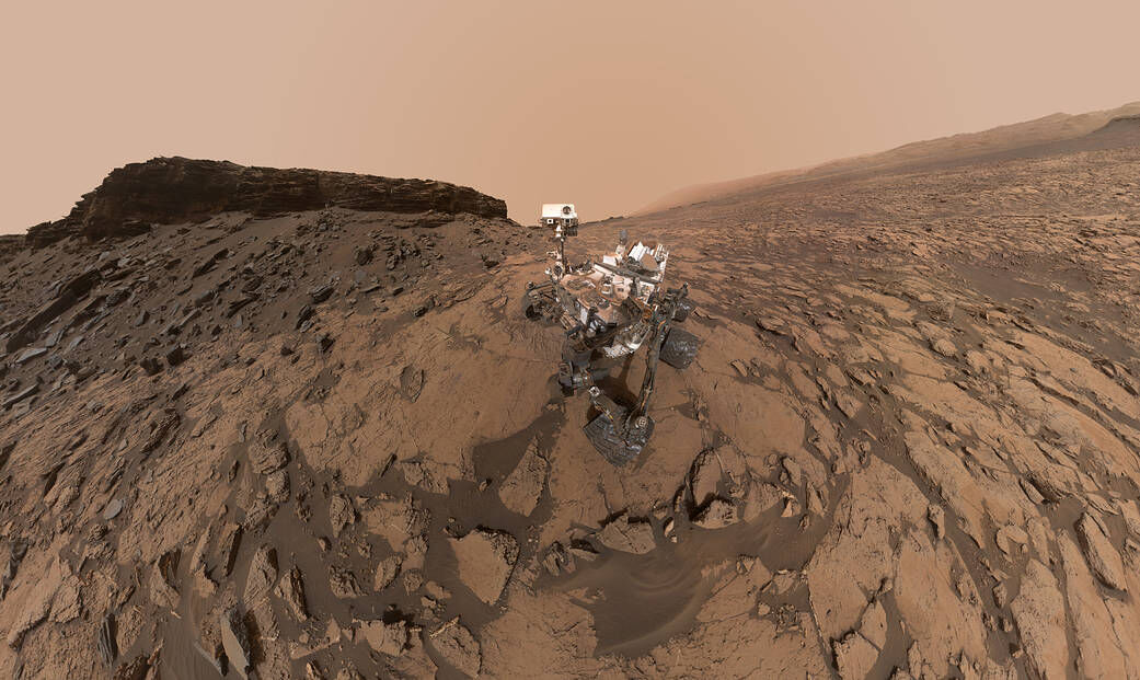 Curiosity Selfie in Murray Buttes, 2016. Photo by Curiosity. © NASA/JPL-Caltech/MSSS.