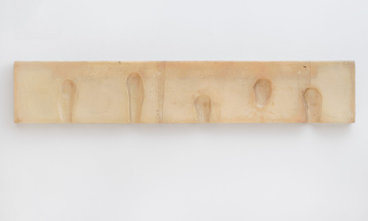 Bruce Nauman, Wax Impressions of the Knees of Five Famous Artists, 1966. © 2018 Bruce Nauman/Artists Rights Society (ARS), New York. Photo by Ben Blackwell.