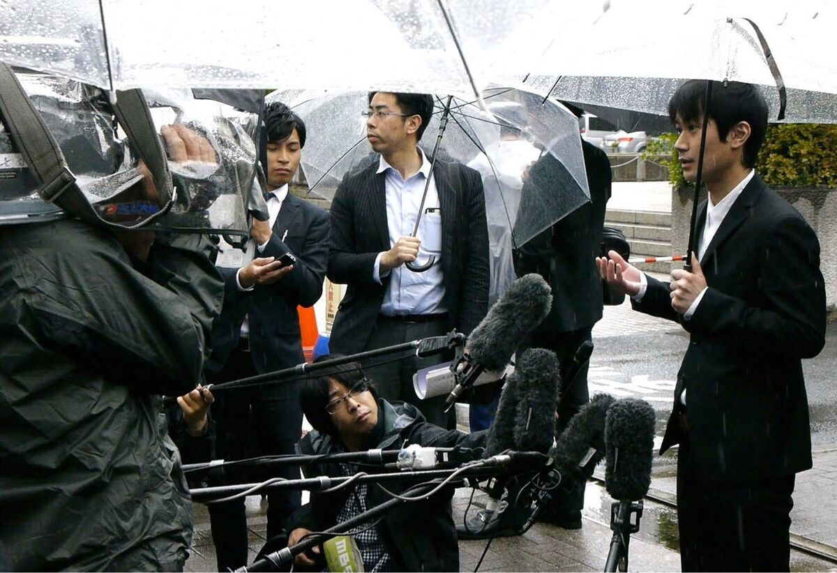 Taiki Masuda talking to press. Image courtesy of VESUVIUS, LLC. and Save Tattooing in Japan.