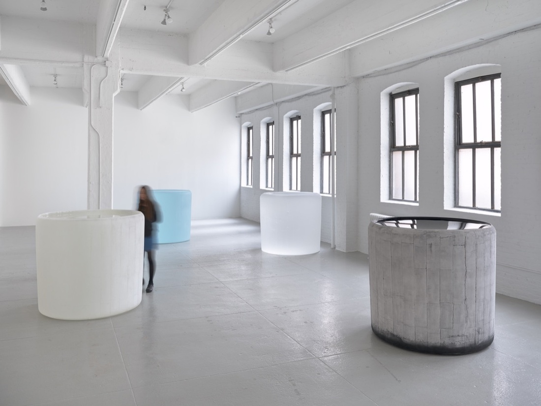 Installation view, Roni Horn, Hauser & Wirth New York, 22nd Street, 2017 © Roni Horn. Courtesy the artist and Hauser & Wirth. Photo: Ron Amstutz.