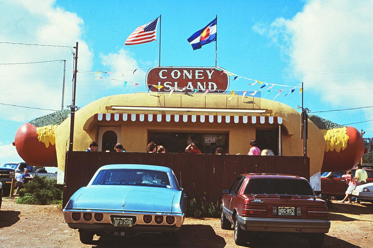 Coney Island Hot Dog Stand in Aspen Park, Colorado, 1991. Image via Wikimedia Commons.