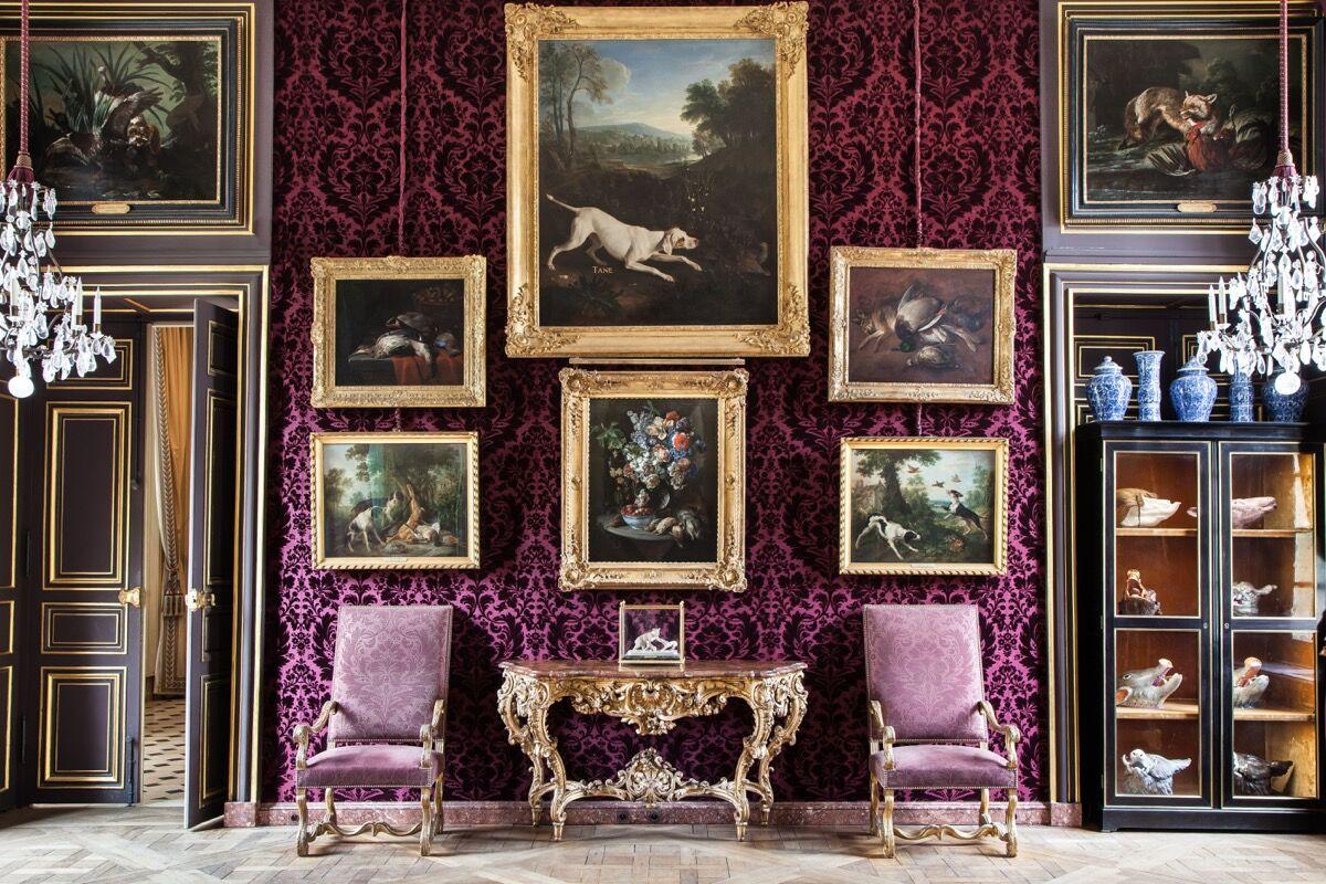Salon de Compagnie. © Sophie Lloyd. Courtesy of the Musée de la Chasse et de la Nature.
