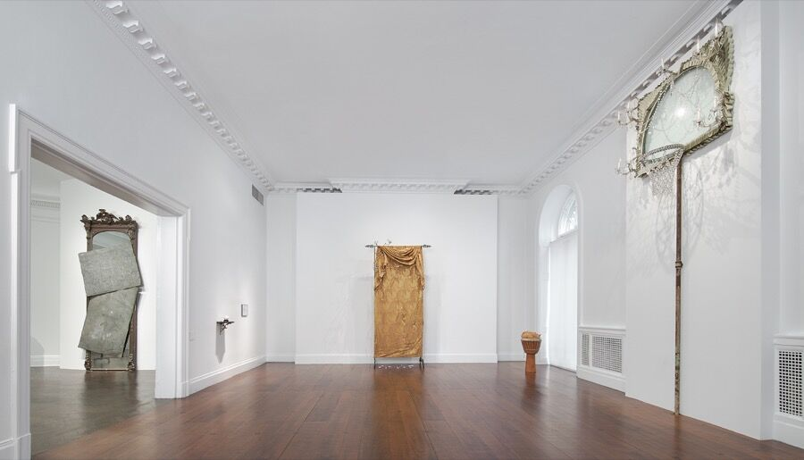 Installation view of David Hammons at Mnuchin Gallery, 2016. Art © David Hammons. Courtesy of the gallery.