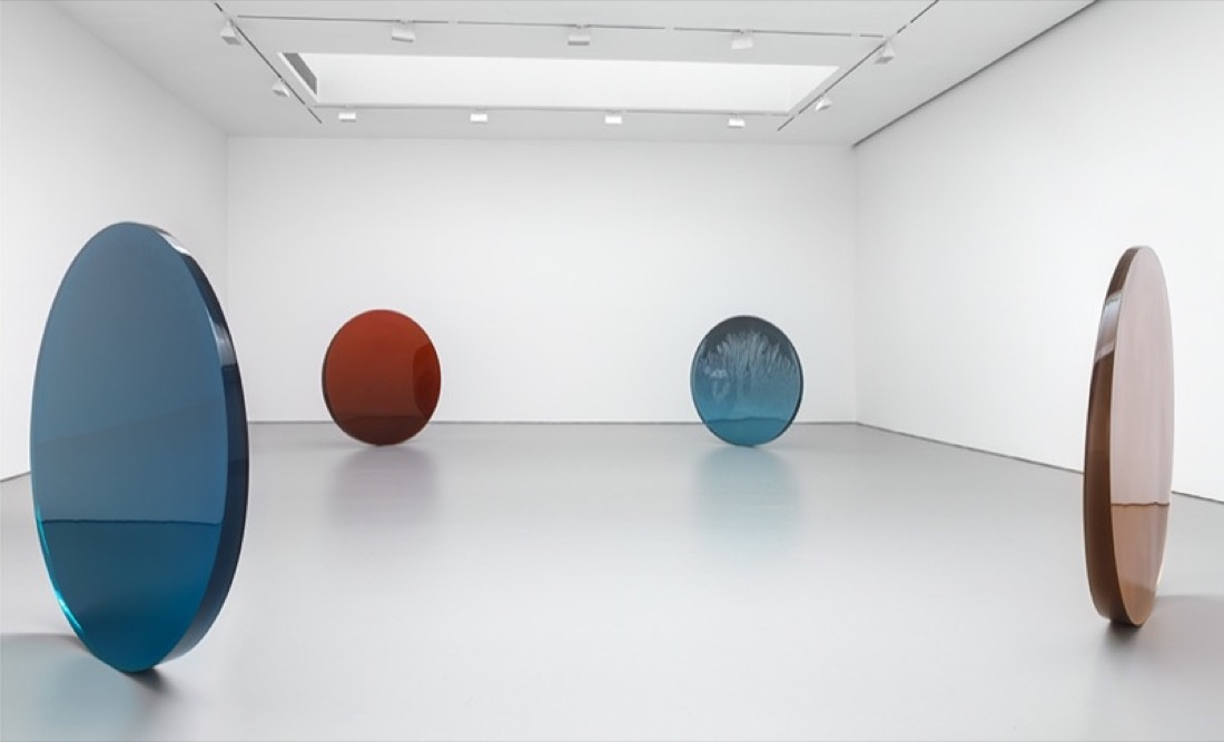 Installation view courtesy David Zwirner.