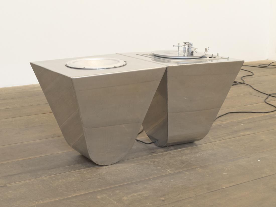 Wagner Malta Tavares, Sonda, 2015; Courtesy of the artist and Galeria Cavalo.