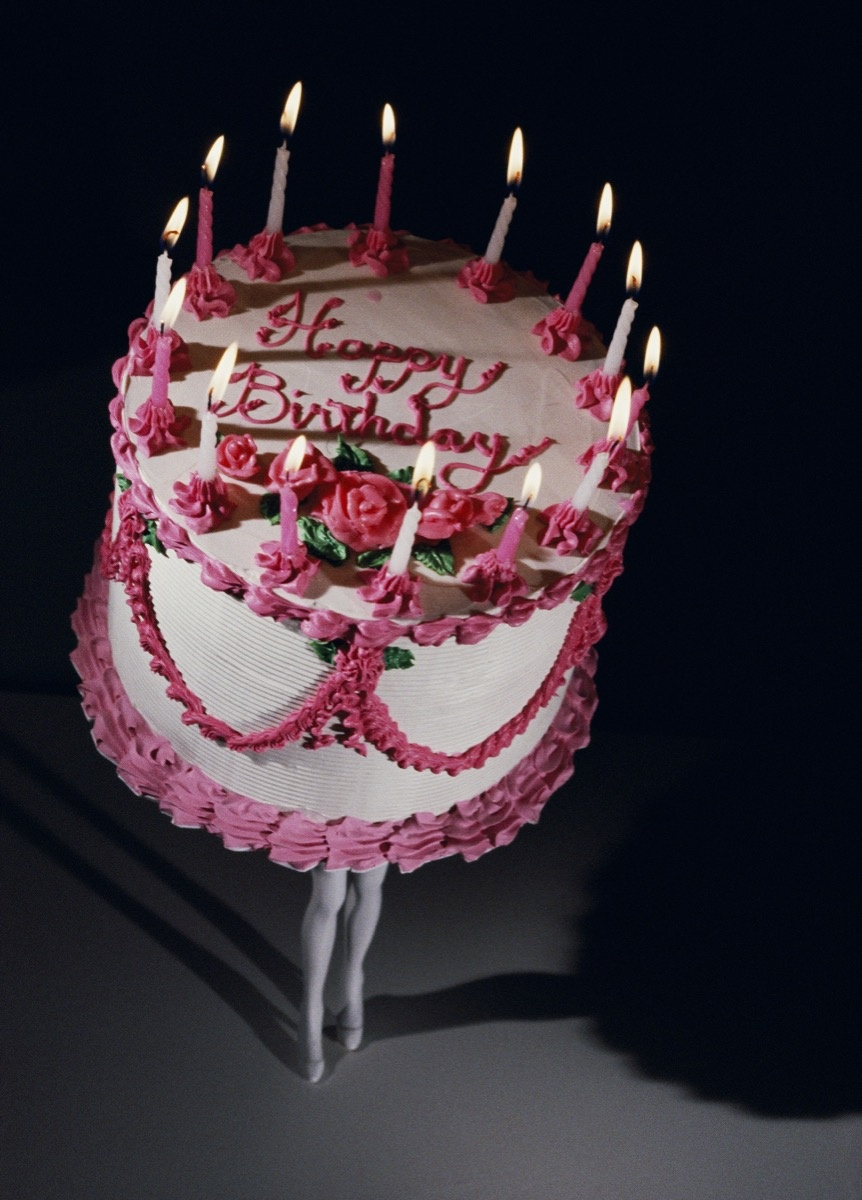 Laurie Simmons, Walking Cake II (Color), 1989. © Laurie Simmons. Courtesy of the artist, Salon 94, and White Cube.