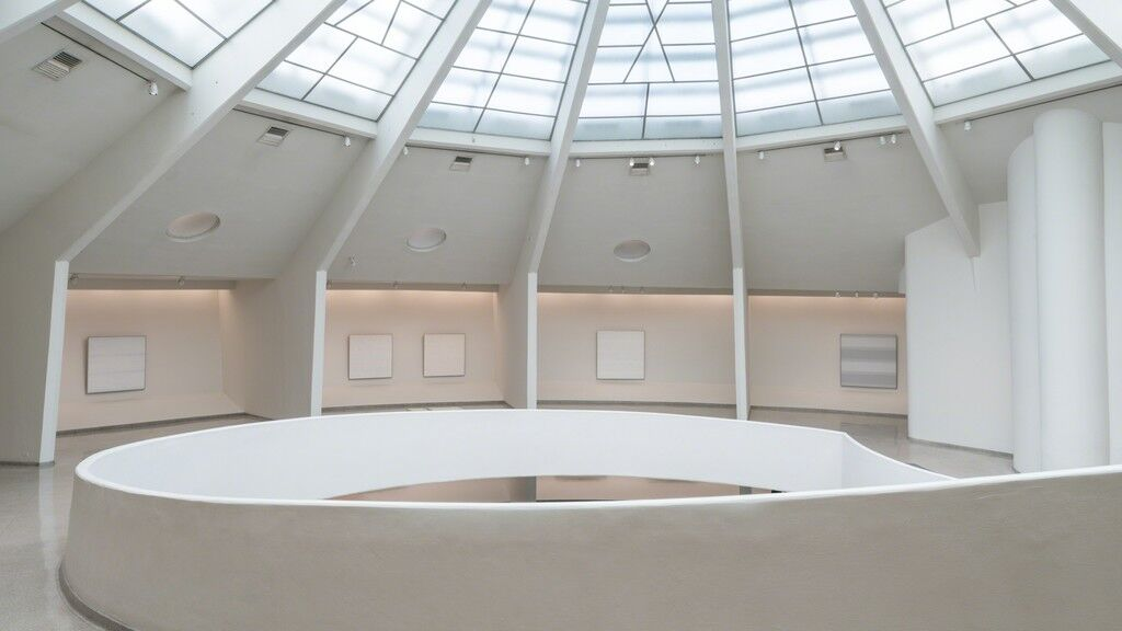 Installation view of  Agnes Martin at Solomon R. Guggenheim Museum, New York, 2016. Photo: David Heald. Courtesy of Solomon R. Guggenheim Museum.