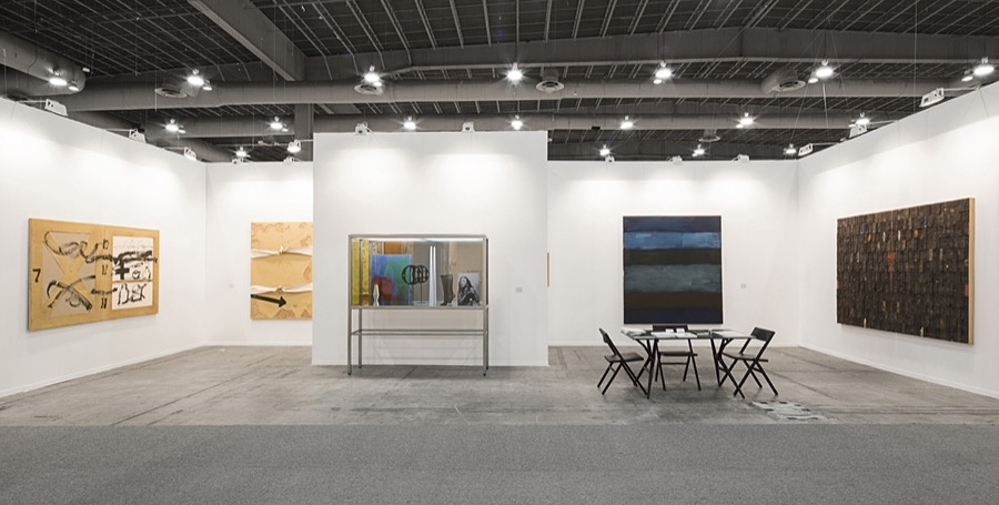 Installation view of Timothy Taylor Gallery's booth at ZsONA MACO, 2016. Courtesy of the gallery.