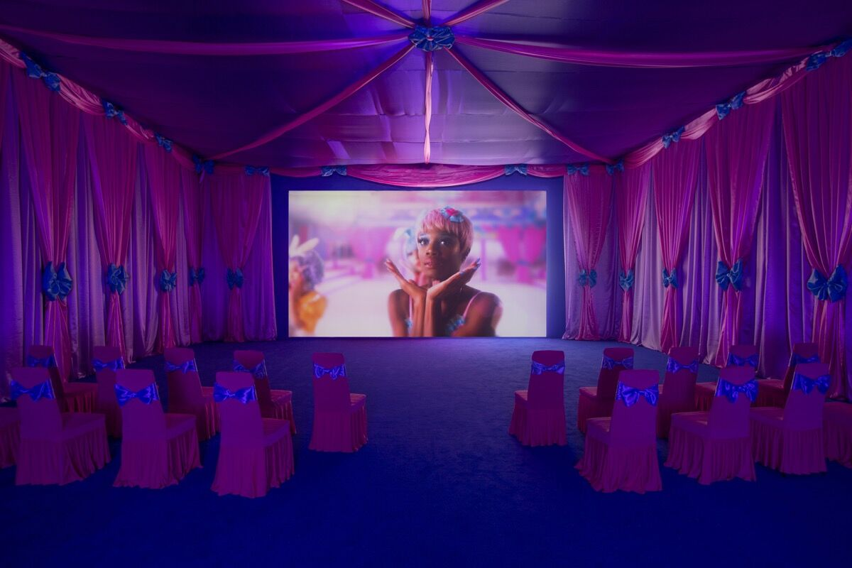 Rachel Maclean, Make Me Up  (gallery edition), 2018. Zabludowicz Collection, London. Courtesy the artist and Zabludowicz Collection. Photo by David Bebber.