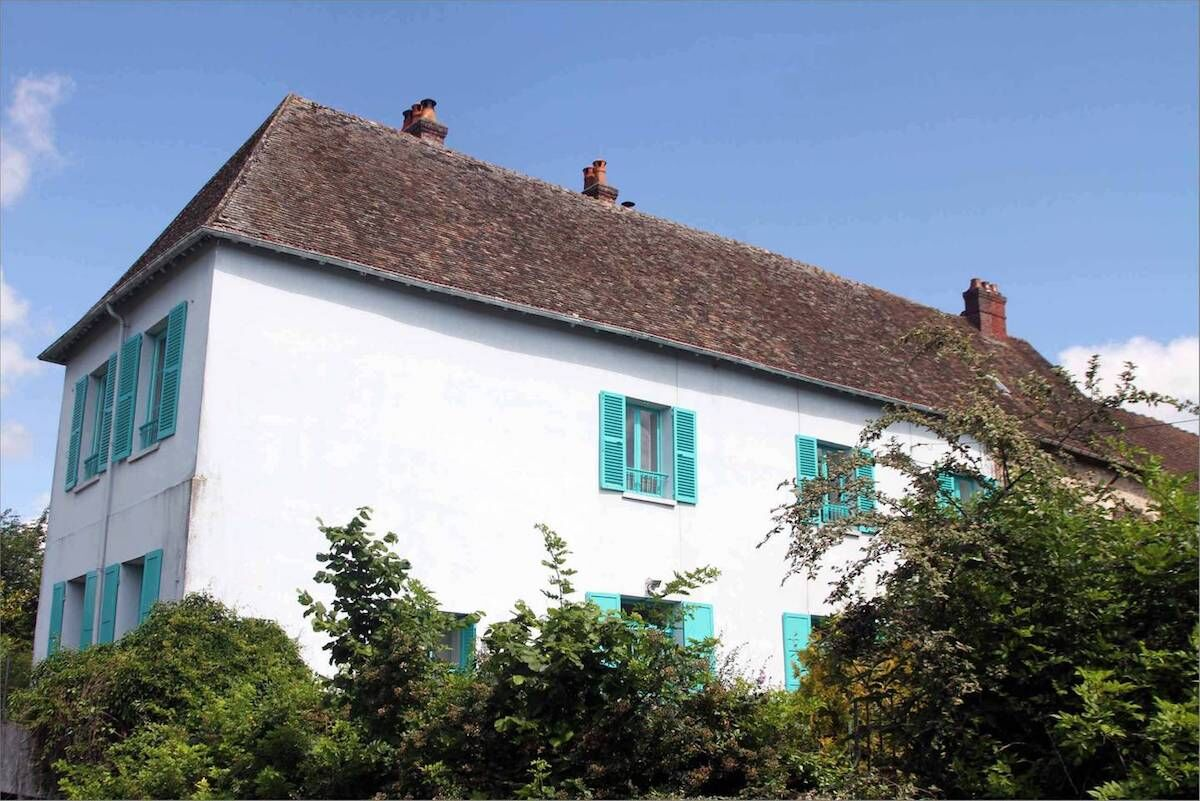 The Blue House in Giverny. Photo via Airbnb.