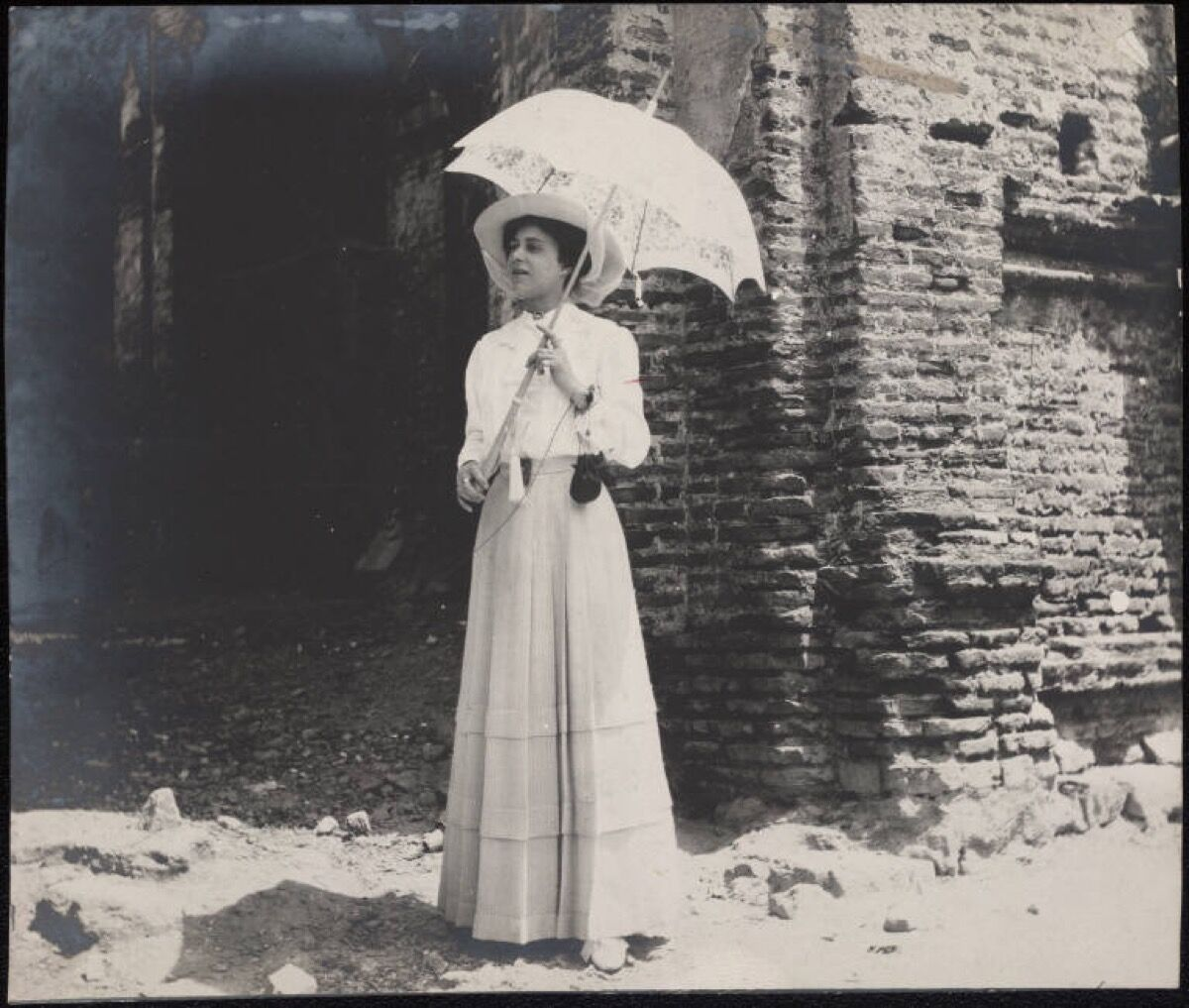 Grace Nail Johnson bridal photo in Panama, 1910. Via Wikimedia Commons.