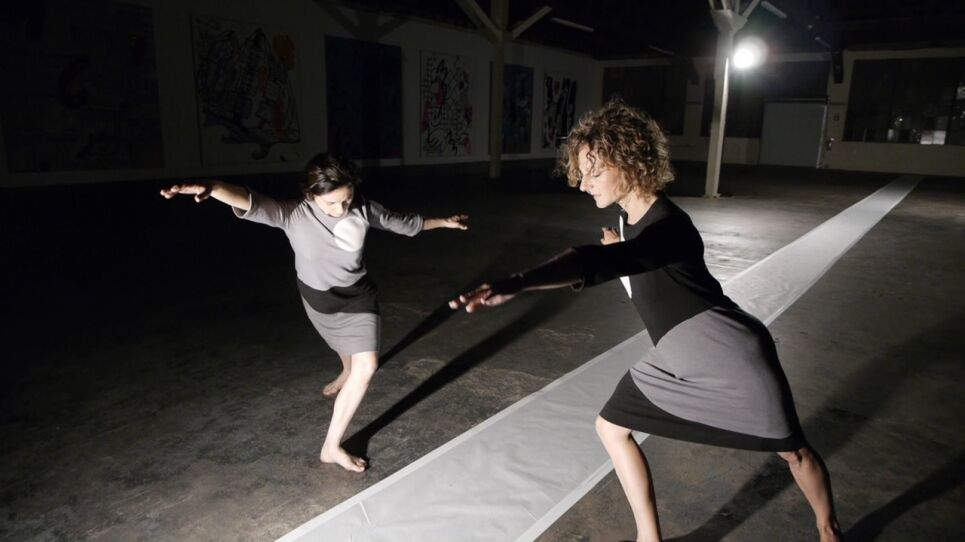 Flora Wiegmann, Allay Alight (with undertow), performance at 356 Mission, Los Angeles, 2013. Courtesy of the artist and C. Nichols Project, Los Angeles.