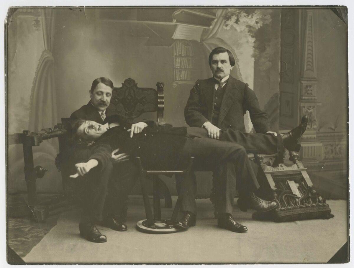 Karl Bulla, Mikhail Matiushin, Aleksei Kruchenykh, and Kazimir Malevich, 1913. Courtesy of the Museo Nacional Centro de Arte Reina Sofía.