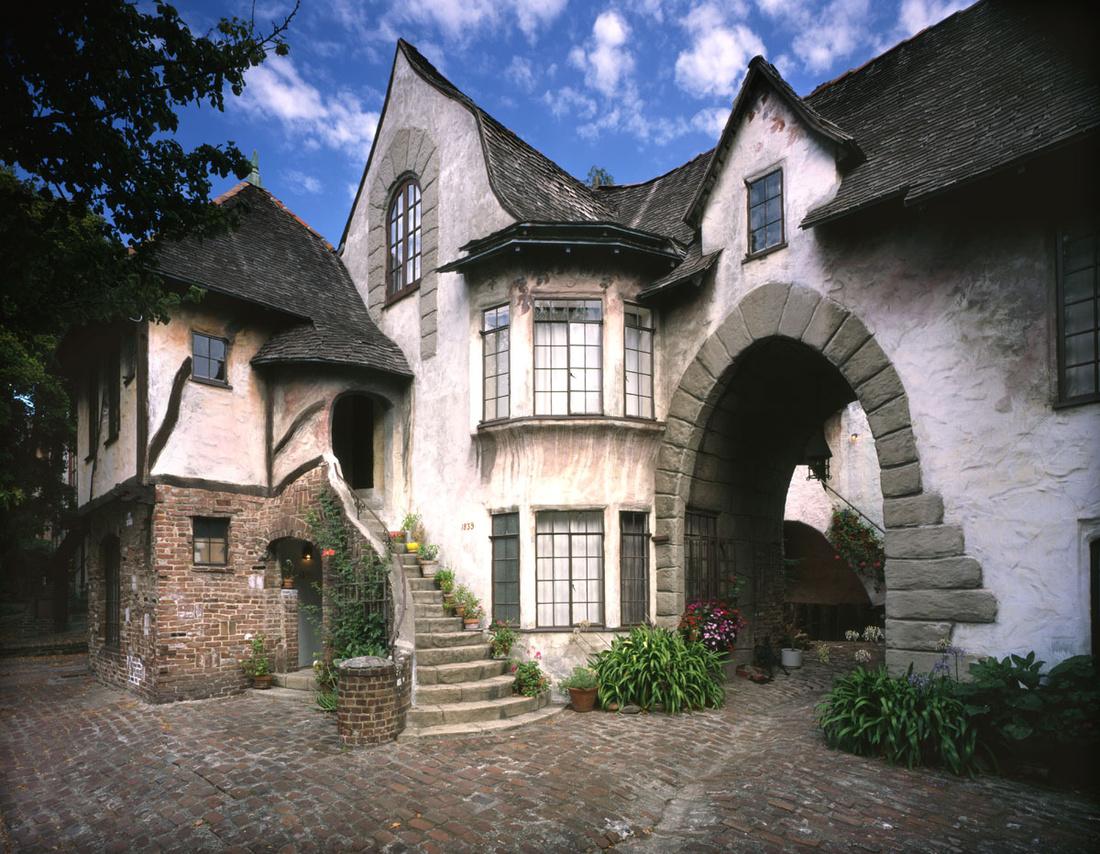 William R. Yelland, Normandy Village, Berkeley, CA, 1926-28. Photo by Douglas Keister. © Douglas Keister.