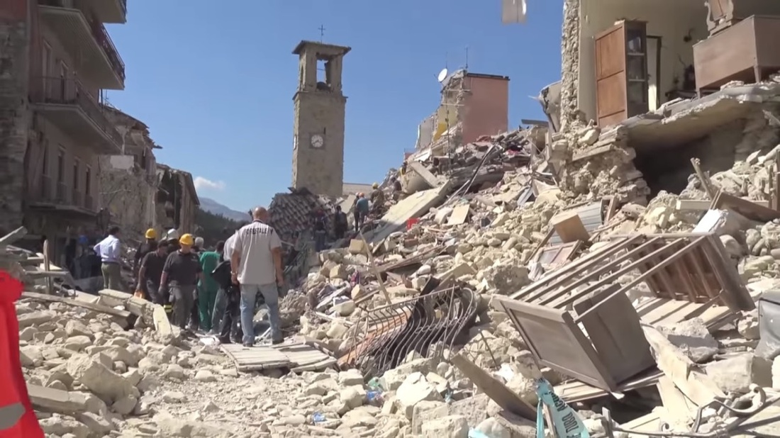 Amatrice's town center after the 2016 earthquake. Photo byLeggi il Firenzepost, via Wikimedia Commons.