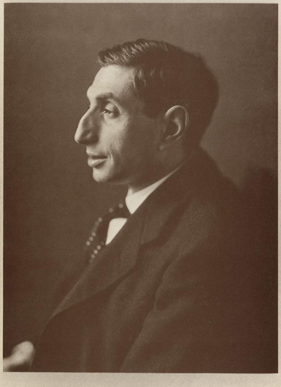 Portrait of Alfred Flechtheim byJacob Hilsdorf, via Wikimedia Commons.