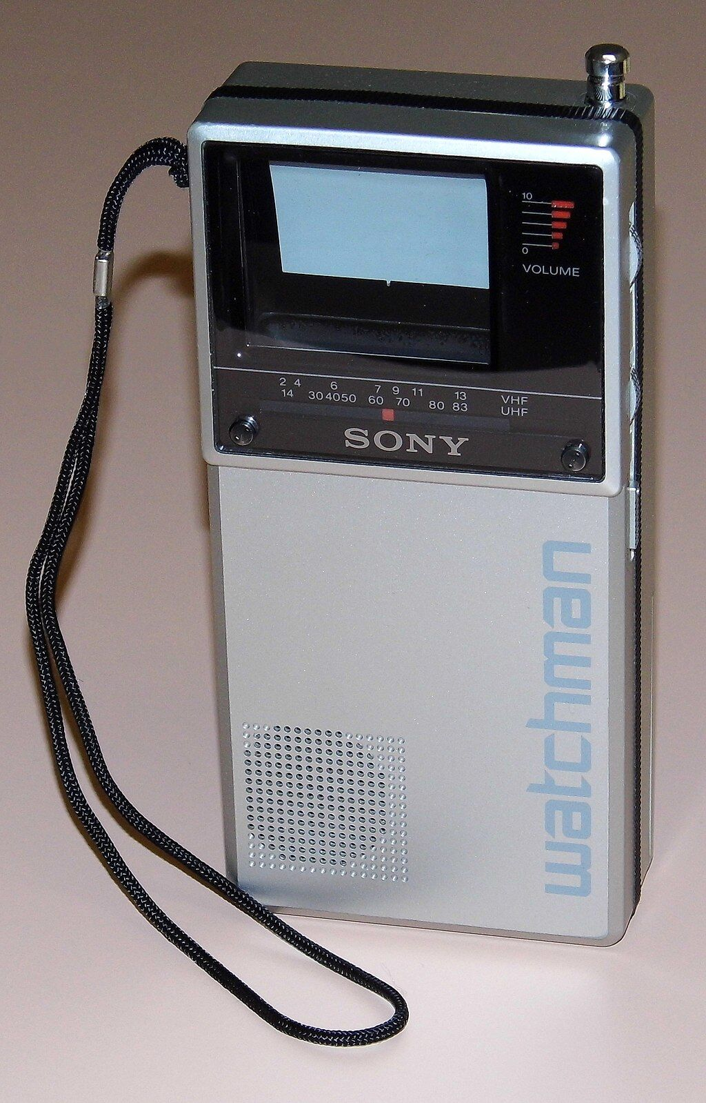 e Sony Watchman Handheld Flat Black And White TV, Model FD-20A. Photo by Joe Haupt, via Wikimedia Commons.