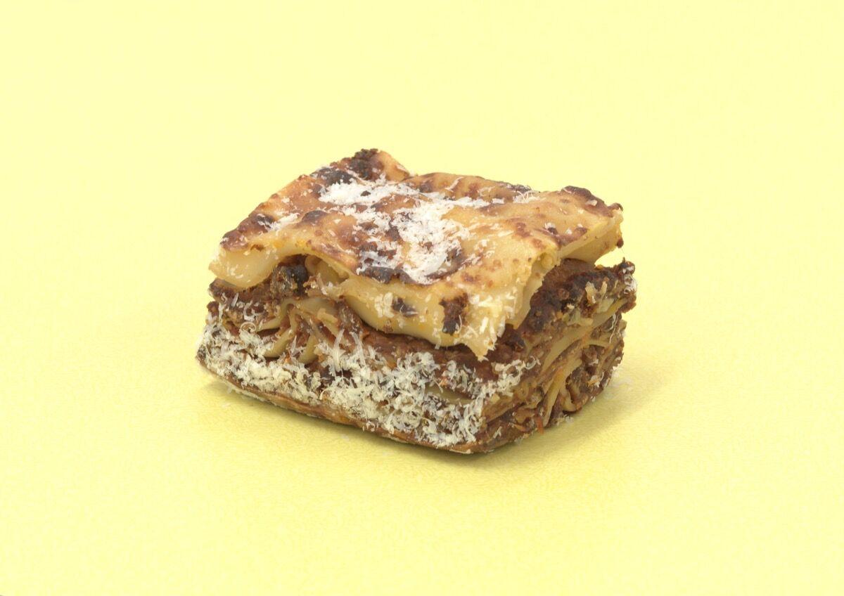 Darren Bader, lasagna on heroin. © Darren Bader. Courtesy of Sadie Coles HQ, London.