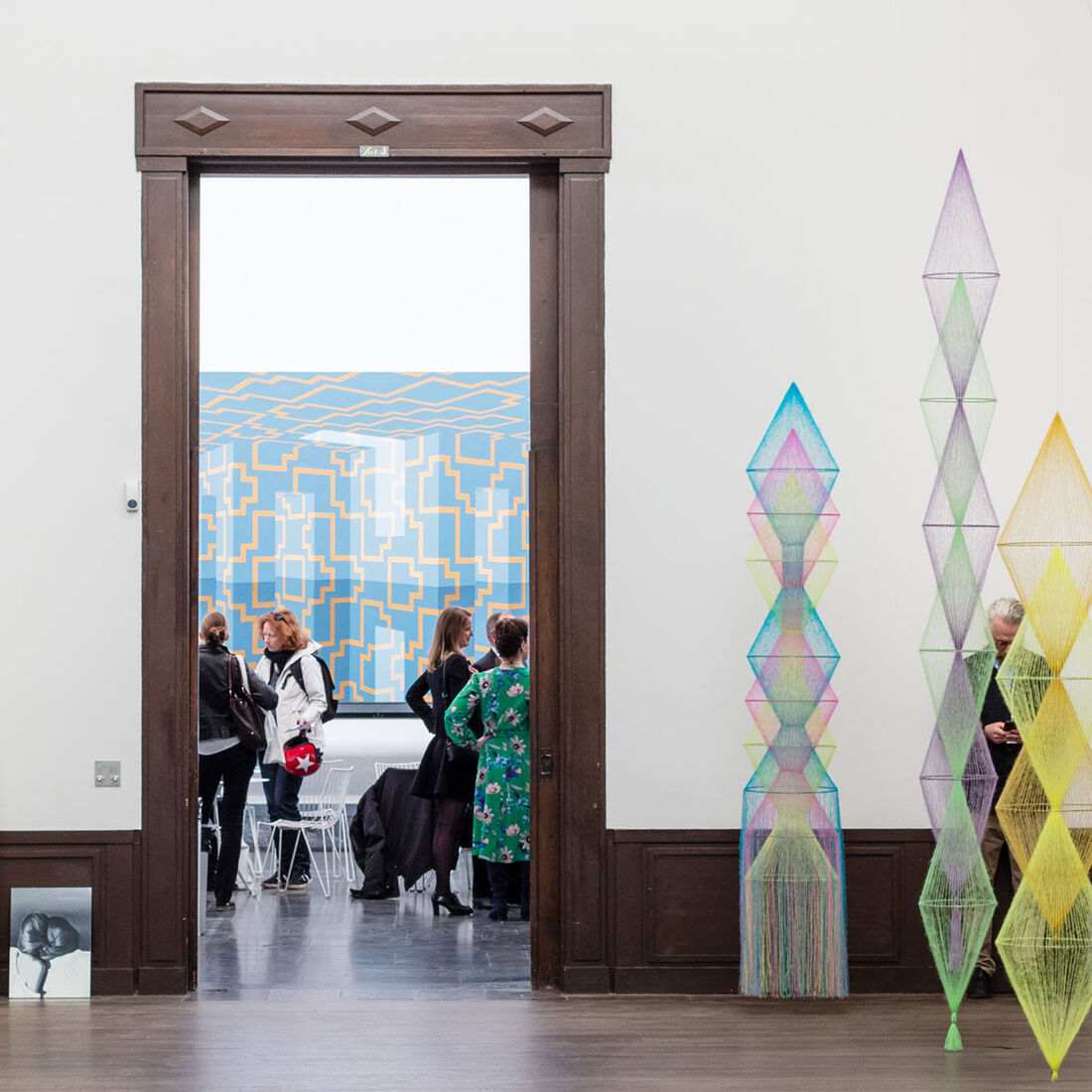 High quality art, focused solo- and duo presentations and Market Talks driving strong sales and an all-time high visitor number. Photo: Jean Baptiste Béranger