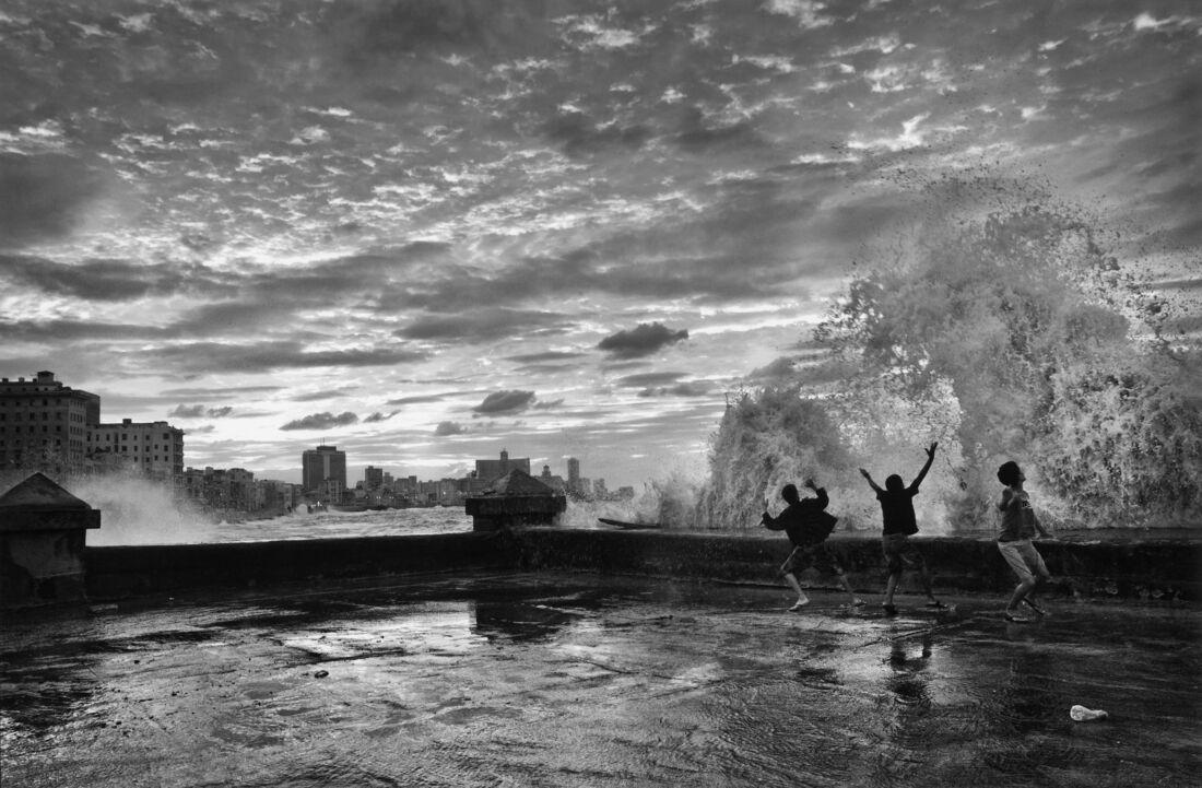 Eduardo Javier García, Sín Titulo, El muro de las maravillas series, 2011. © Eduardo Javier García. Courtesy of Madeleine P. Plonsker Collection.