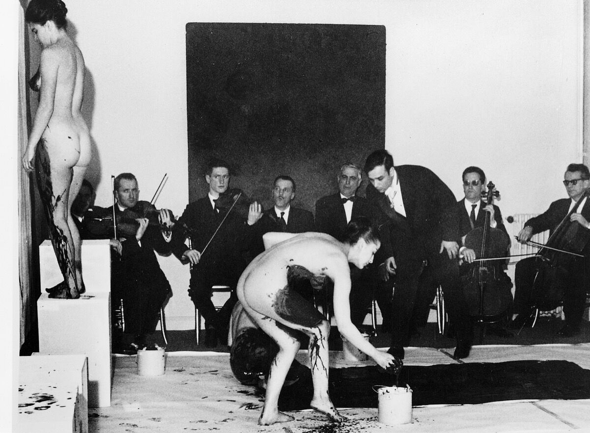 Yves Klein,Anthropométries de l'époque bleue, Galerie internationale d'art contemporain, Paris, March 9, 1960. Photograph by Charles Wilp.Art Resource, NY / Klein, Yves (1928-1962) © ARS, NY. Image courtesy of Dominique Lévy Gallery.