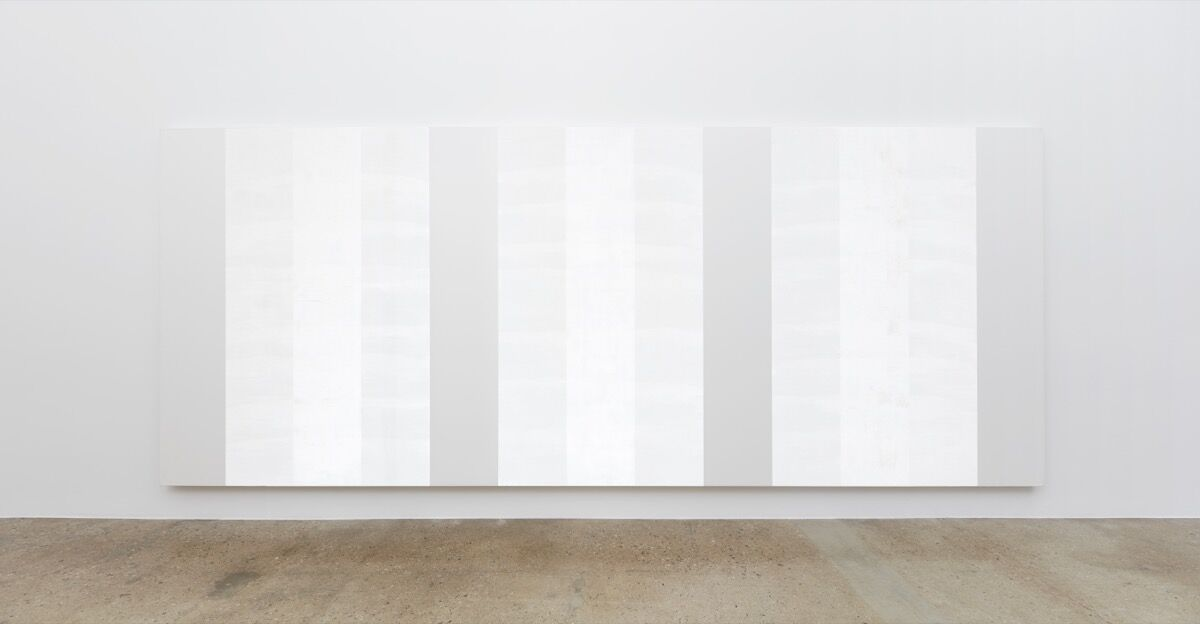 Mary Corse, Untitled (White Multiple Inner Band), 2003. Photo © Mary Corse. Courtesy of Kayne Griffin Corcoran, Los Angeles, Lehmann Maupin, New York, and Lisson Gallery, London.