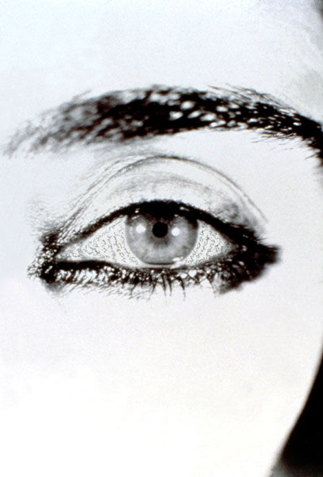 Shirin Neshat, Offered Eyes, 1993. © Shirin Neshat. Photo by Plauto. Courtesy of the artist and Gladstone Gallery, New York and Brussels.