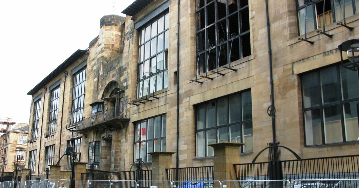 The façade of Charles Rennie Mackintosh's Glasgow School of Art  building following a fire in 2014. Photo by John a s, courtesy of Wikimedia Commons.