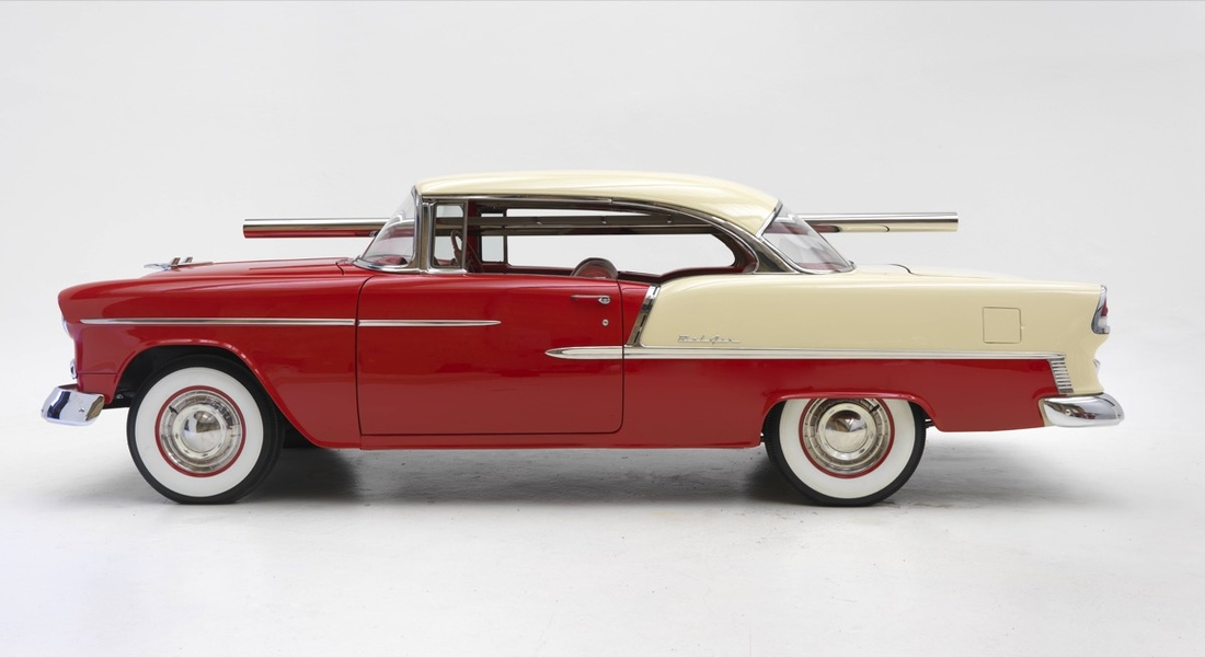 Walter De Maria, Bel Air Trilogy: Circle Rod, 2000-2011, Stainless steel rod with 1955 Chevrolet Bel Air two-tone hardtop, Rod: 4 inches in diameter x 144 inches (10.2 x 365.8 cm); automobile: 60 x 72 x 192 inches (152.4 x 182.9 x 487.7 cm) © 2017 Estate of Walter De Maria. Photo by Rob McKeever. Courtesy of Gagosian Gallery.