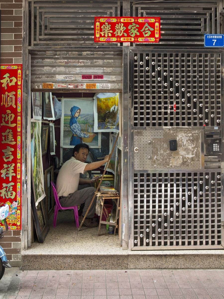 An artist studio in Dafen. Photo by Adam Kuehl for Artsy.