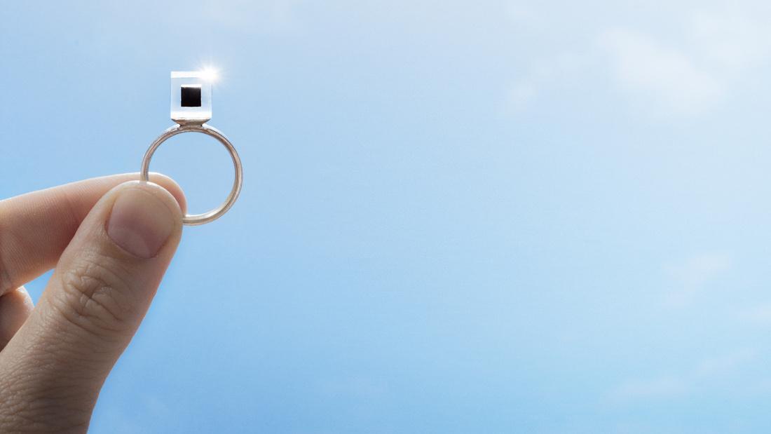 Photo of a Smog Free Tower diamond, courtesy of Studio Roosegaarde.