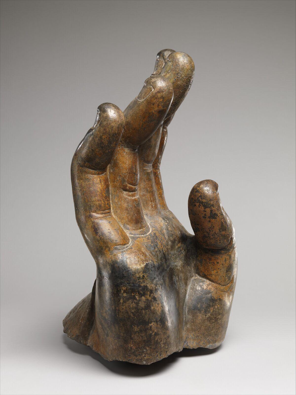 北齊 北響堂山北窟 石雕佛手 (石灰岩) , Right Hand of Buddha, ca. 550–560, China (Northern Xiangtangshan, North Cave). Courtesy of The Metropolitan Museum of Art.