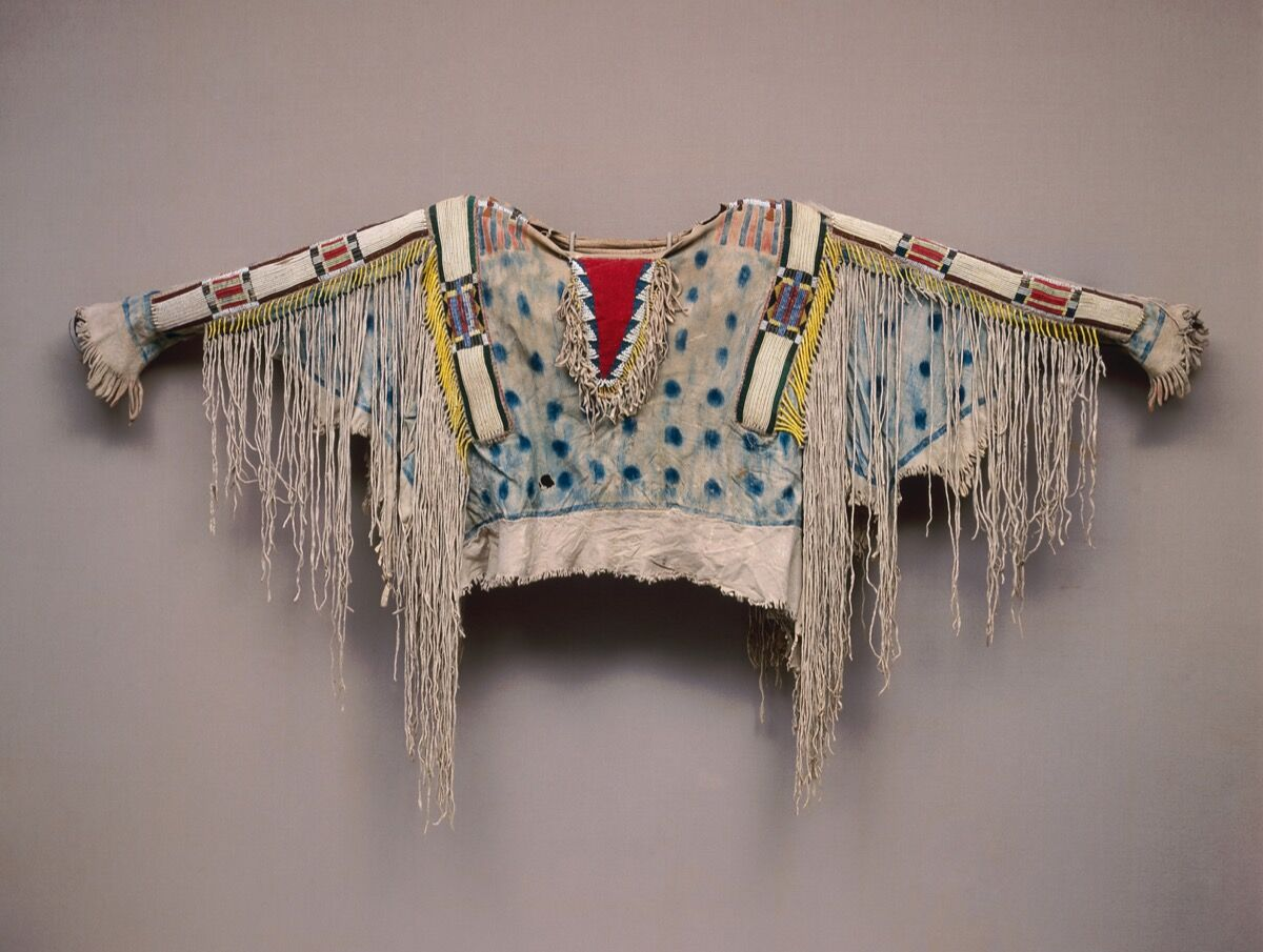Man's Shirt, Unrecorded Niimiipu (Nez Perce) Artist, ca. 1850. Photo by Dirk Bakker, courtesy of the Metropolitan Museum of Art.