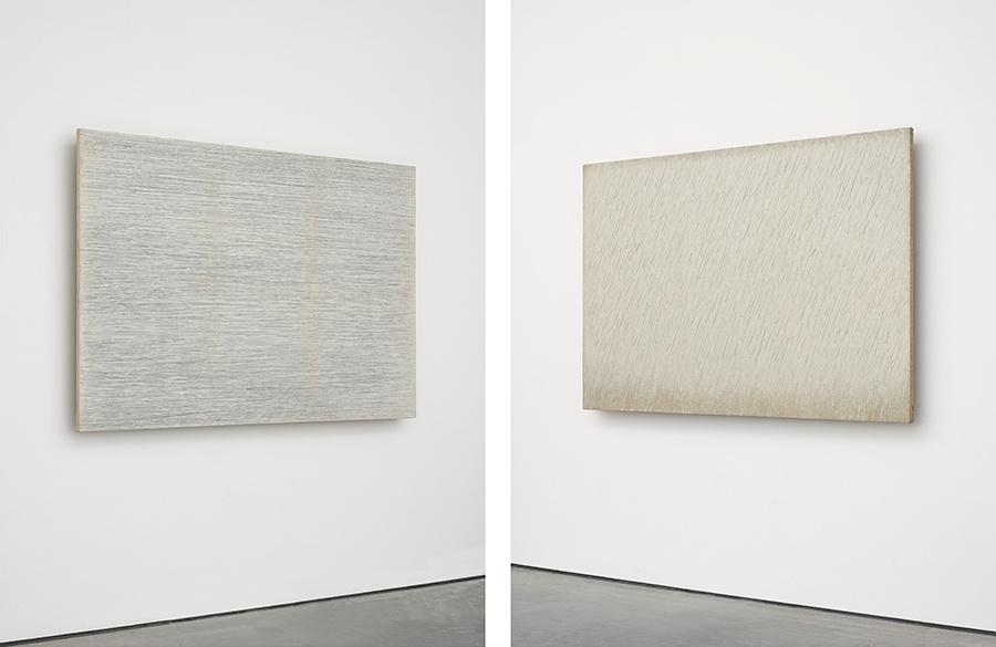 Left: Park Seo-Bo,Ecriture (描法) No. 23-77.1977. Right:Park Seo-Bo,Ecriture (描法) No. 19-78,1978. © the artist. Photo © White Cube (George Darrell).